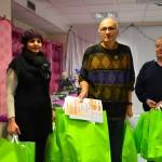 Distribution de cadeaux dans les chambres de greffés, concert et gouter avec les patients, les familles et le personnel de l'unité de greffe et d'adolescents et jeunes adultes